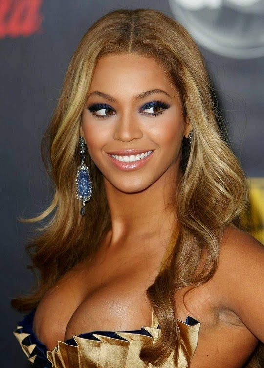 beyonce-knowles-breasts