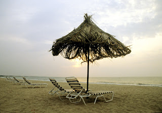 beach at mandvi palace