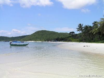 10 Pantai Paling Indah di Asia