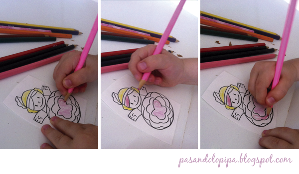 pasandolopipa | coloreando muñeca de papel para hacer marioneta de dedos