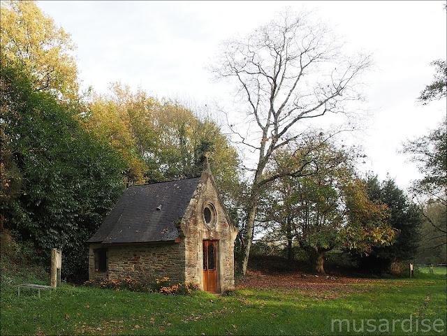 La Chapelle Saint-Melaine se situe sur la commune de La chapelle de Brain