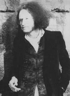 El músico francés Georges Grünblatt se encargaría de tocar el Minimoog en el álbum L'Éthique (1982) de Richard Pinhas