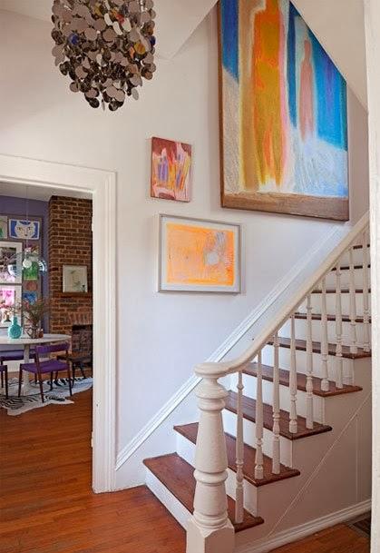 un interior con una atrevida paleta cromatica