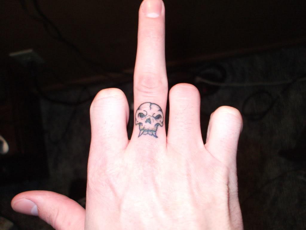 Фото татуировок на мизинце