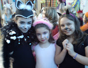 Last week I did cat make up for my daughter's mask ball at school.