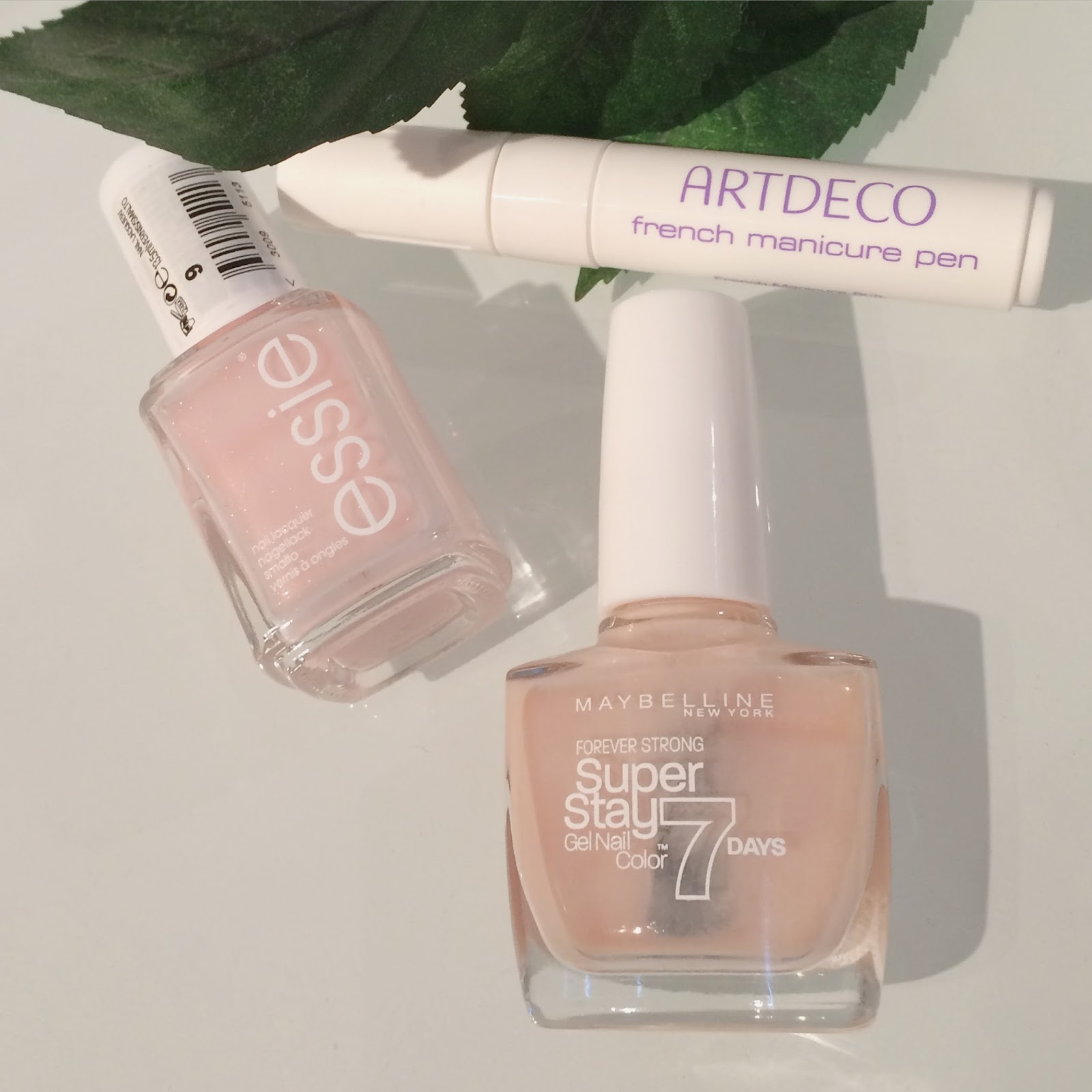 Swiss BeautyTalk: Effortless French Manicure - Artdeco French ...