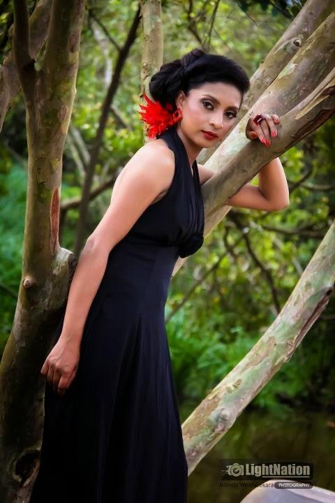 Sri Lankan Hot lady Photo Collection  2
