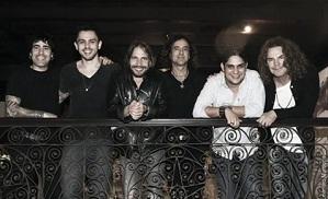 Jorge e Mateus gravam com a Banda Maná
