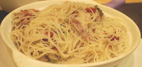 Braised Rice Vermicelli with Shredded Duck and Pickled Vegetables