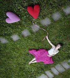 Estou aceitando o fato de que algumas pessoas nasceram para sentir o amor, mas não para viver um.
