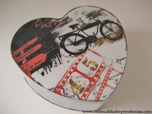 Idea regalo para San Valentin, galletas corazón / Gift idea Valentine's day heart shaped cookies./Idée cadeau pour la Saint Valentine, cookies en forme de coeur