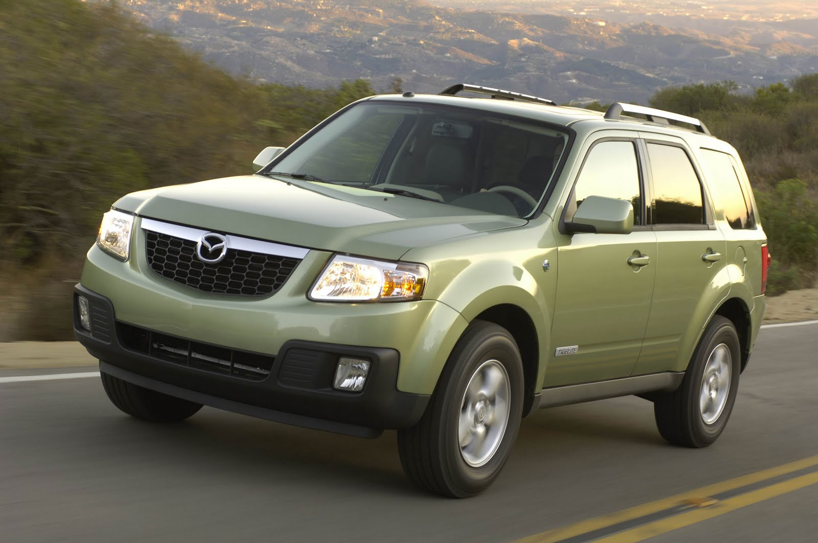 all car reviews 02 2011 mazda tribute is better than the ford escape. Black Bedroom Furniture Sets. Home Design Ideas