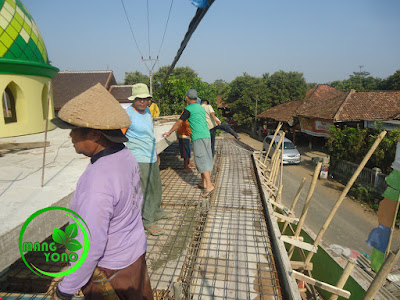 FOTO : Persiapan pengecoran kanopi mesjid Assyafaah