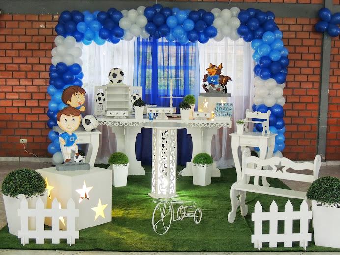 Cruzeiro com mesa provençal