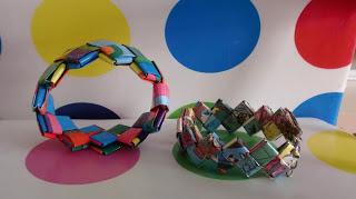 Pulseras trenzadas con papel de regalo por Recicla Inventa