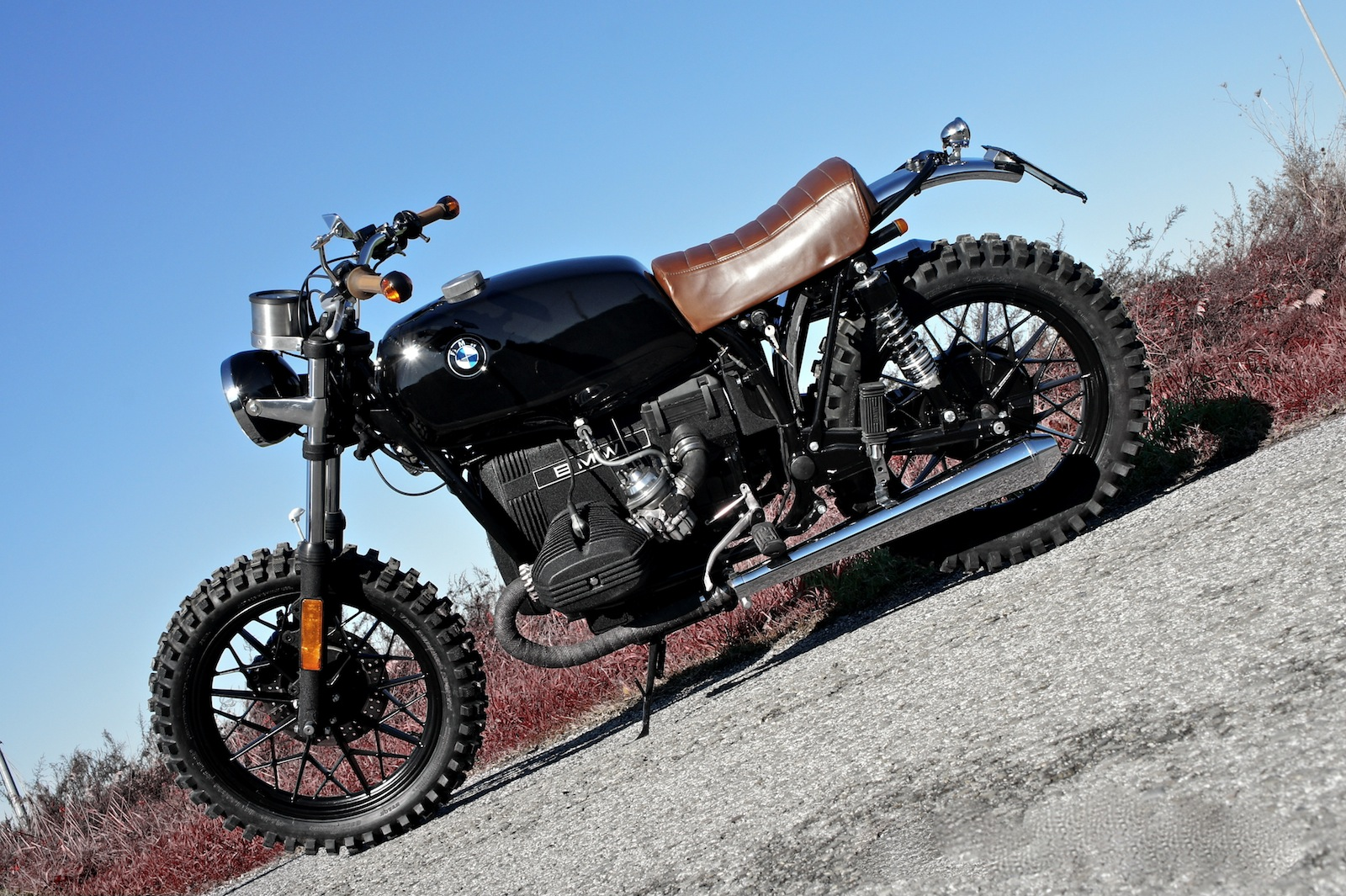 r45 scram by luis moto inazuma caf racer. Black Bedroom Furniture Sets. Home Design Ideas