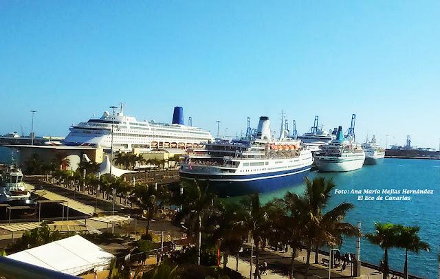 El Puerto de Las Palmas a tope de cruceros