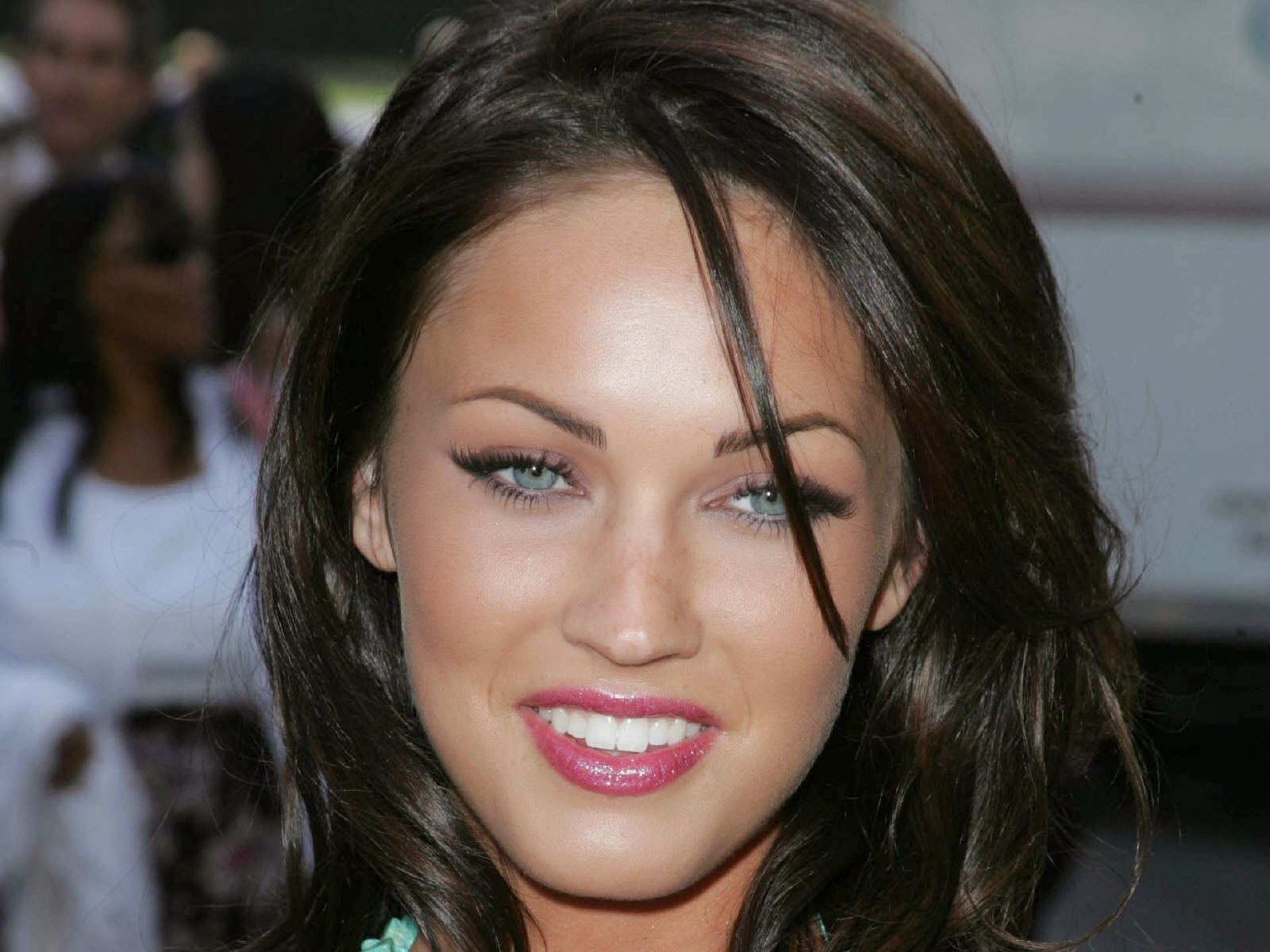 Teen Female Celebrities HQ Pics « Celebrities Hot Wallpapers