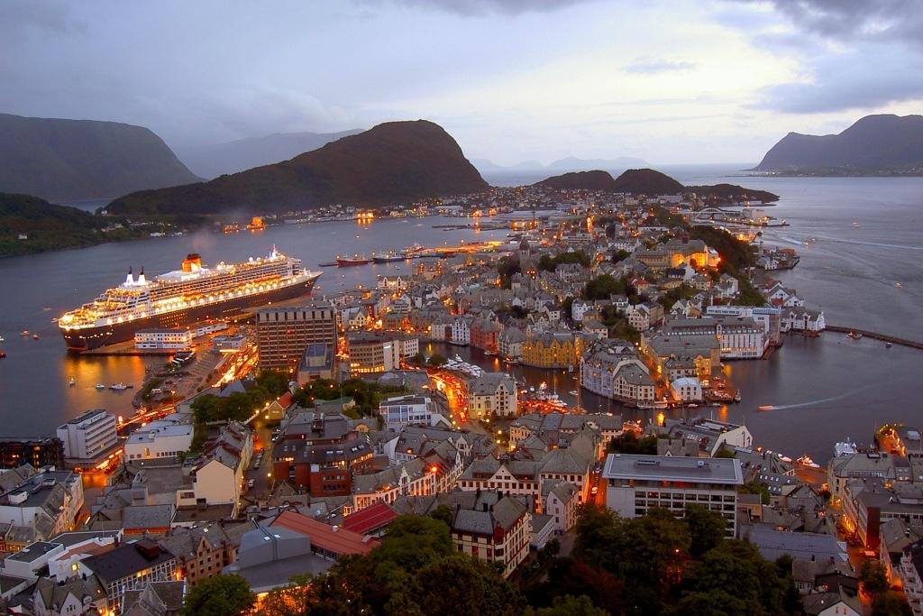 Alesund Norway  city photos gallery : Travel Trip Journey: Alesund, Norway