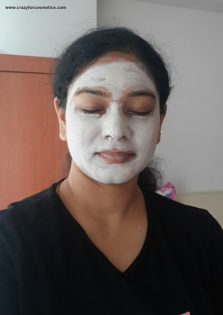 Innisfree clay mask on my face