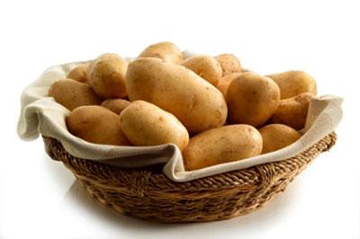 Trị mụn cám tại nhà bằng :Khoai tây