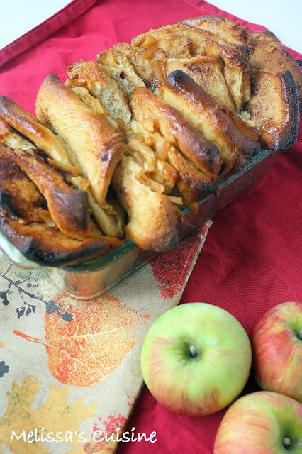 Melissa's Cuisine: Caramel Apple Pull Apart Bread