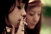 El tabaco quema los pulmones.