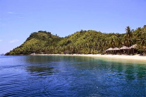 Pesona Keindahan Pulau Sikuai