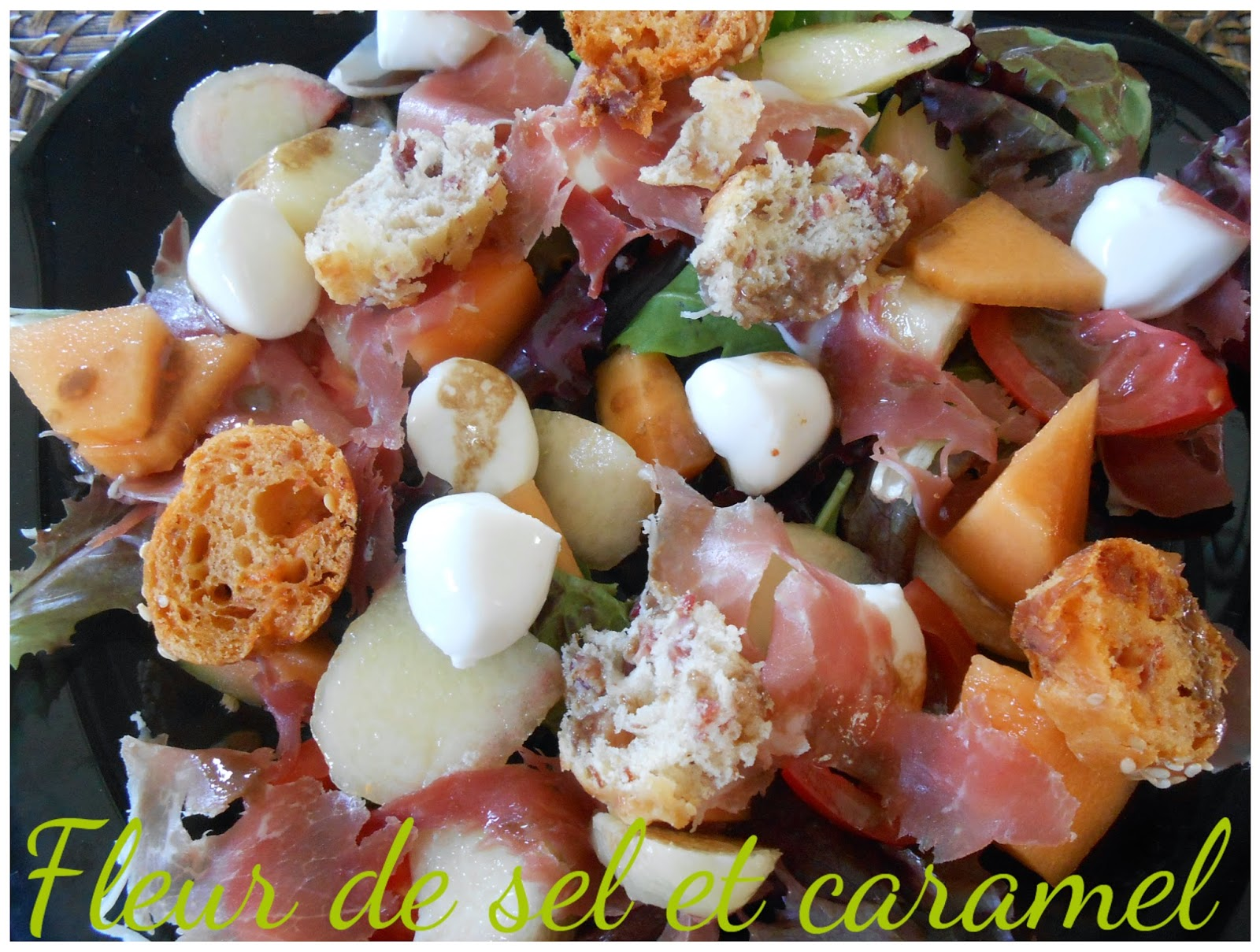 Salade aux pêches et jambon de parme