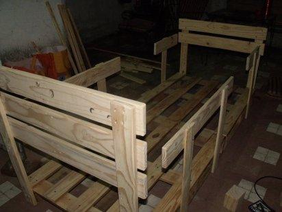 Cama infantil de palets un manitas en casa - Hacer una cama de madera ...