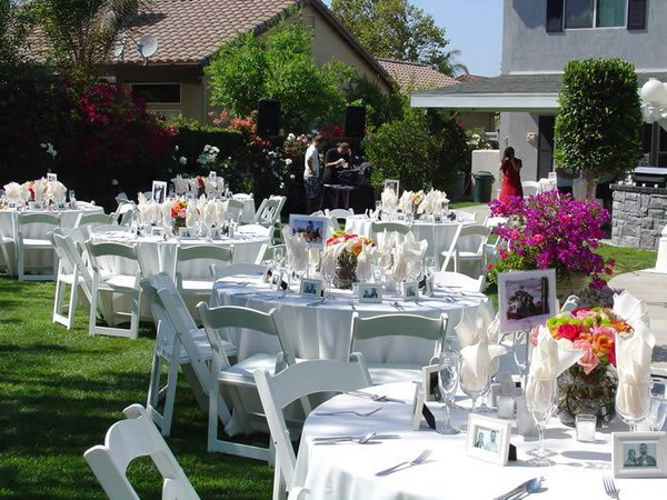 Cheap outdoor wedding ideas for your great moments for Cheap decorating ideas for wedding reception tables