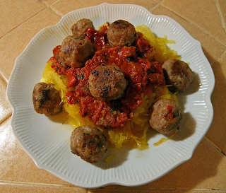 Meatballs Over Spaghetti Squash with Tomato Sauce