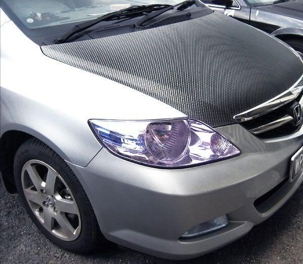 Mobil Lebih Sporty Dengan Stiker Carbon 3D