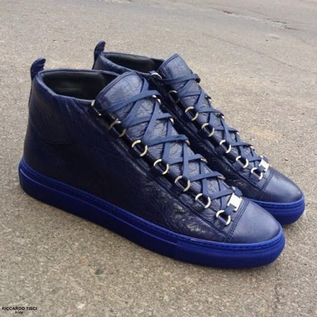 balenciaga arena sneakers in navy leather shop online spentmydollars. Black Bedroom Furniture Sets. Home Design Ideas