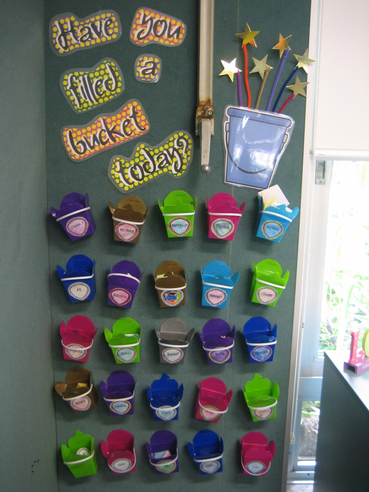 Classroom Ideas Year 2 ~ Le rning out loud bucket full of kindness behaviour