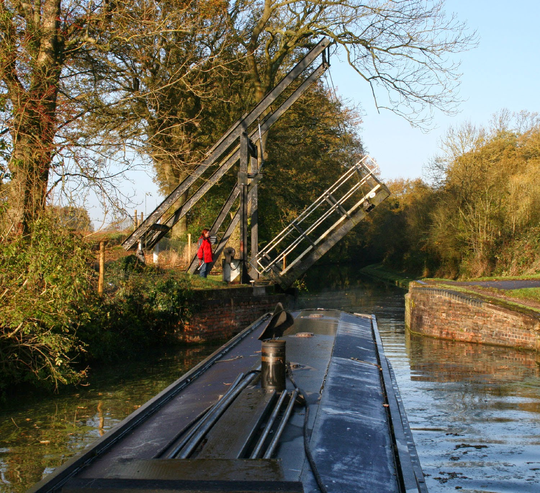 Expert drawbridge operator