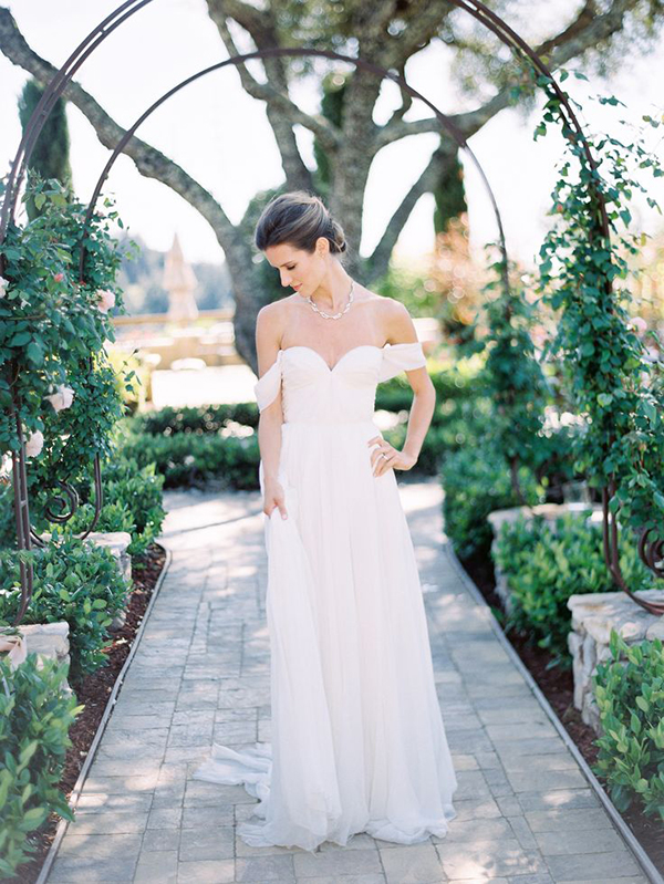 Sarah Seven Lafayette Gown In this Sunny Winery Wedding inspiration shoot on Style Me Pretty / Photography by Ashley Slater - www.sarahsevenblog.com