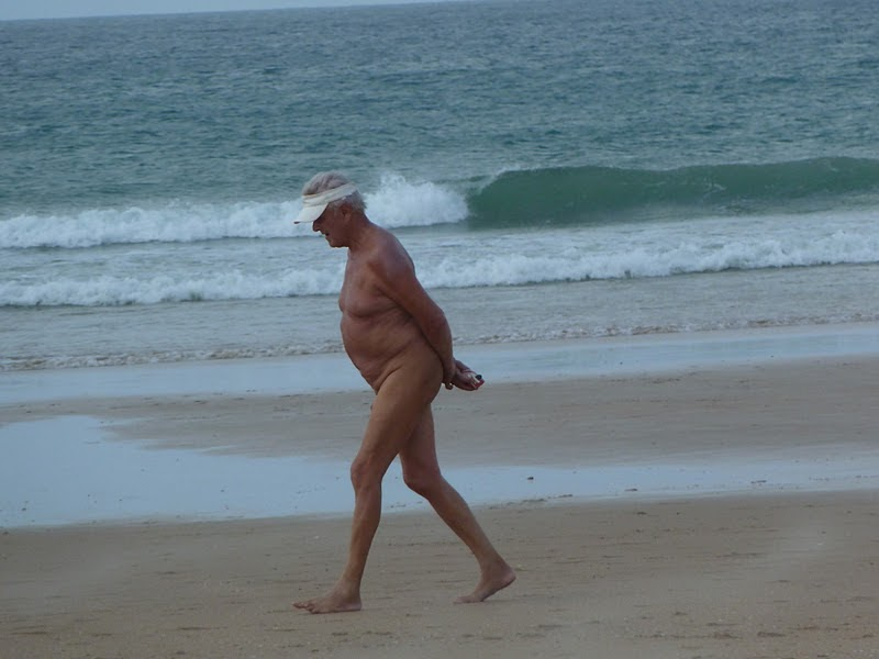 Anorexic anciana desnuda