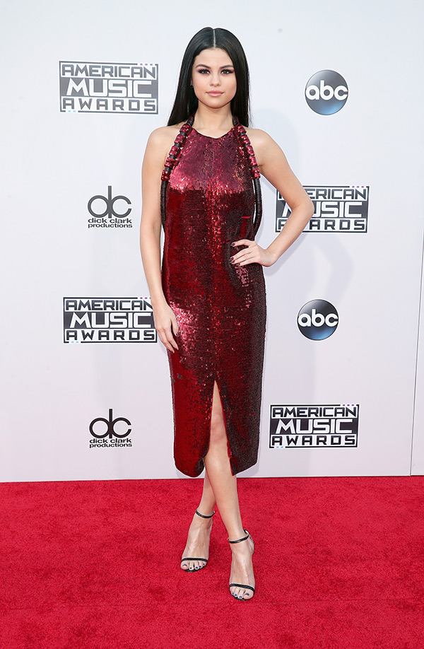 AMA's 2015: REVIEW AND BEST DRESSED