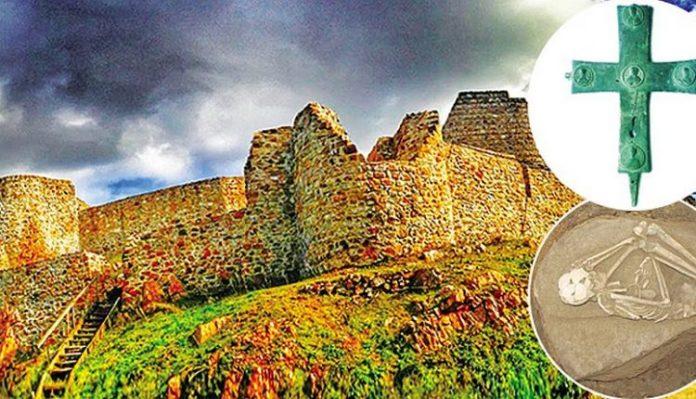 Το «Κάστρο του Αετού» Οι μαυροφορεμένοι άντρες που χάνονται στο σκοτάδι και τα άλυτα μυστήρια αιώνων