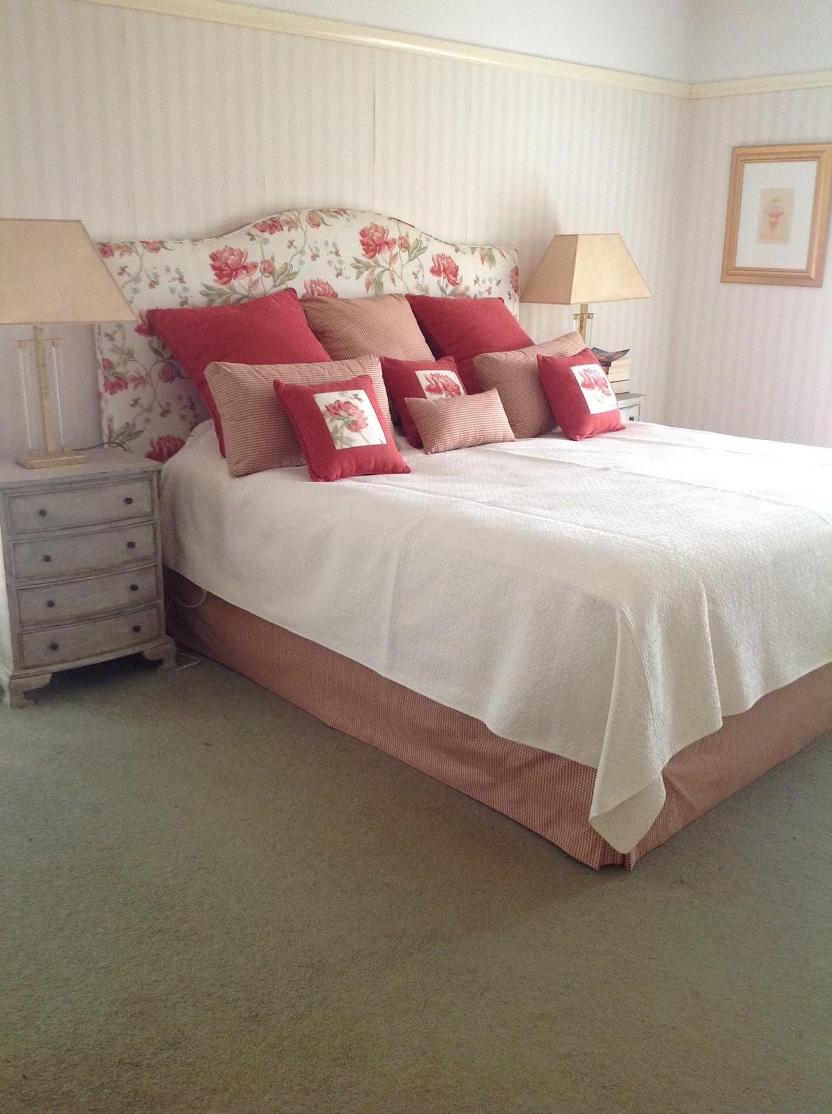 Bed head design bedroom stories for Bedroom bedhead design