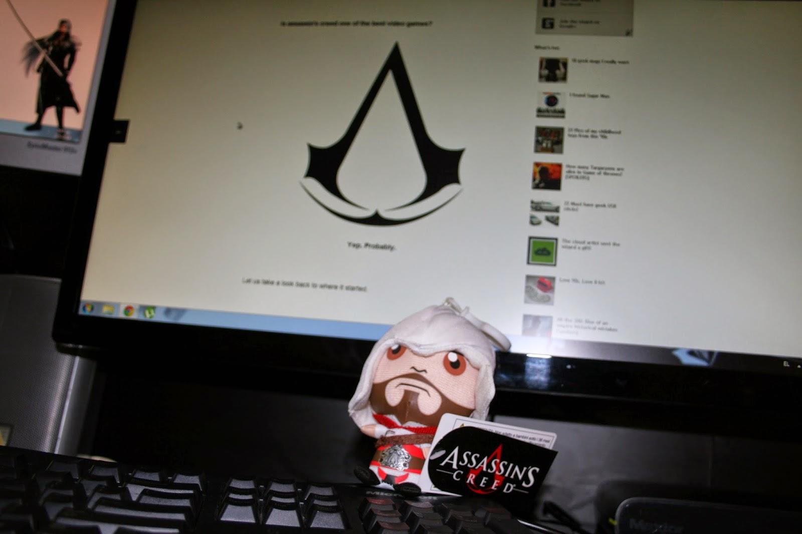 got a cute little assassins creed Ezio figure