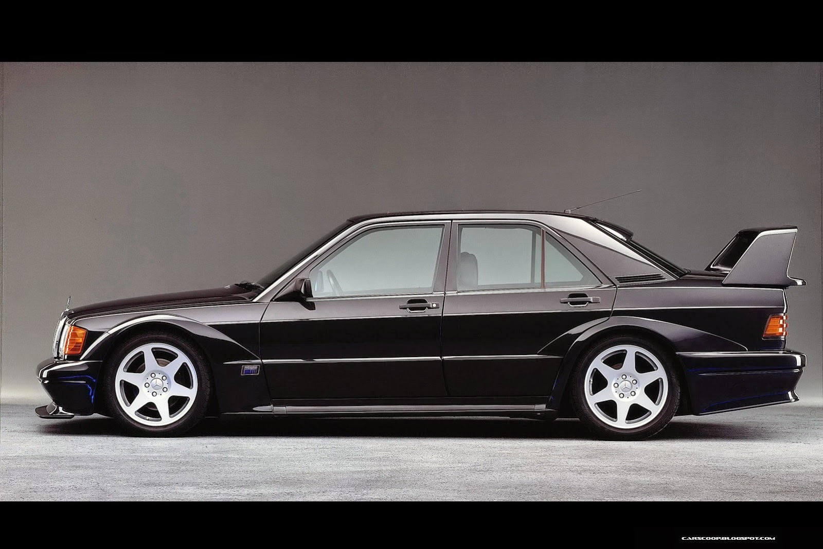 Theclassiccarfactory com mercedes benz w201 190e 2 3 2 6 cosworth sportline limited edition review