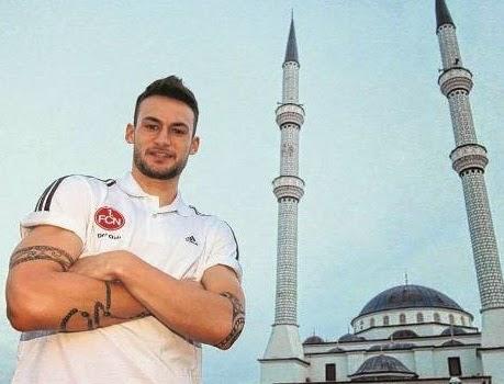 Danny Blum Pemain bolasepak Jerman masuk Islam