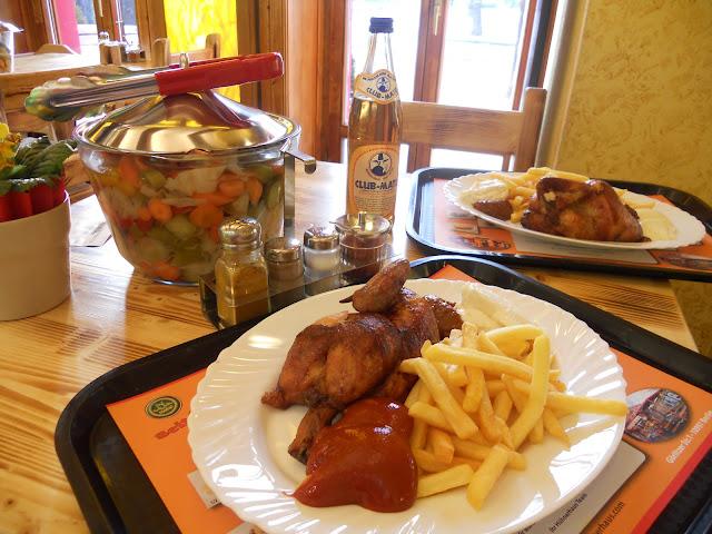 roast chicken fries pommes Berlin