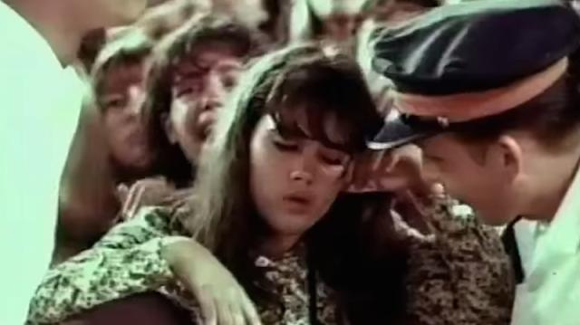 The Beatles spielen Smack My Bitch Up live | MashUp mit dem legendären 65er Auftritt der Pilzköpfe