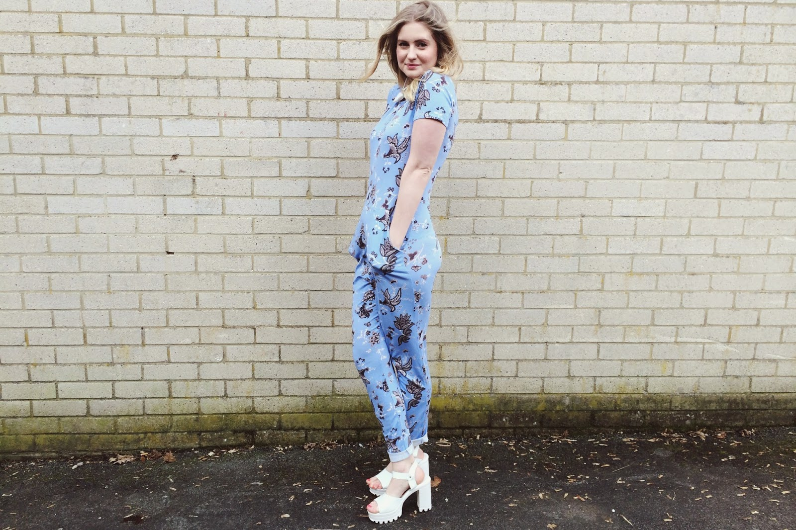 FashionFake, a UK fashion and lifestyle blog. Spring is all about colours and floral patterns and this jumpsuit from Wearall hits the spot this season!