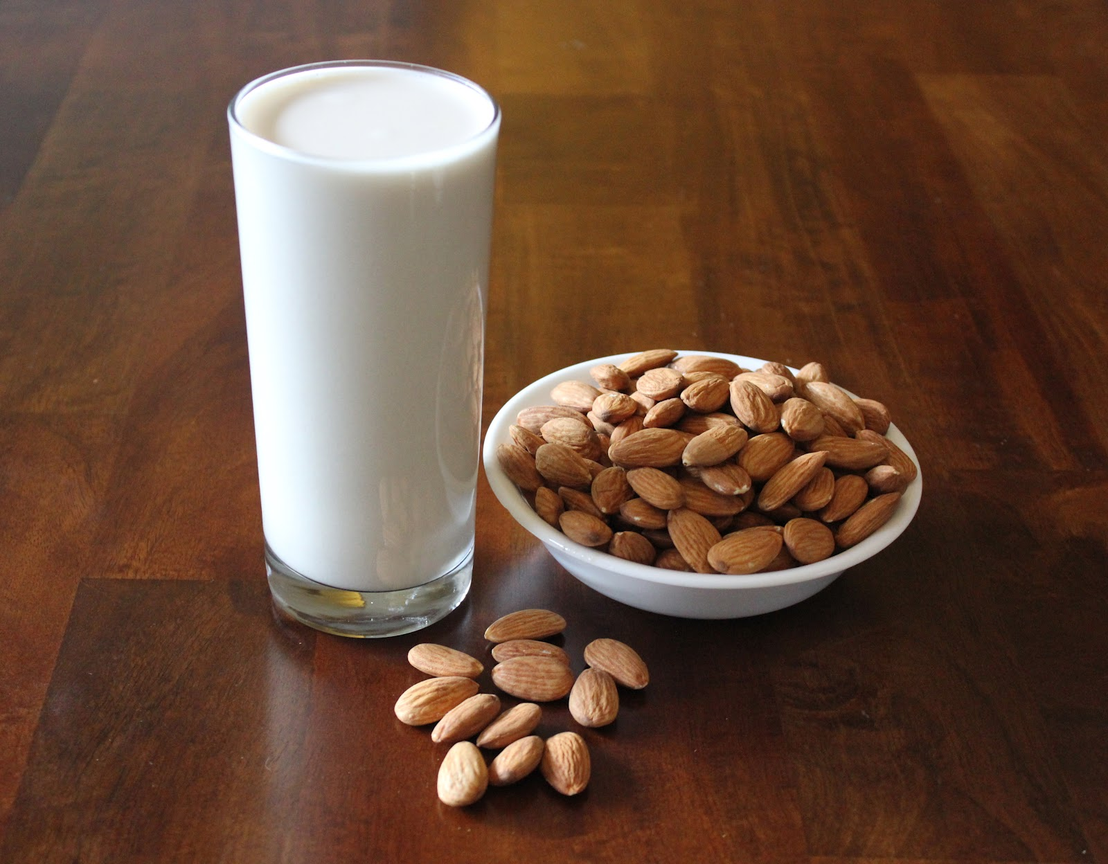 Cooking with Jax: Homemade Vanilla Almond Milk