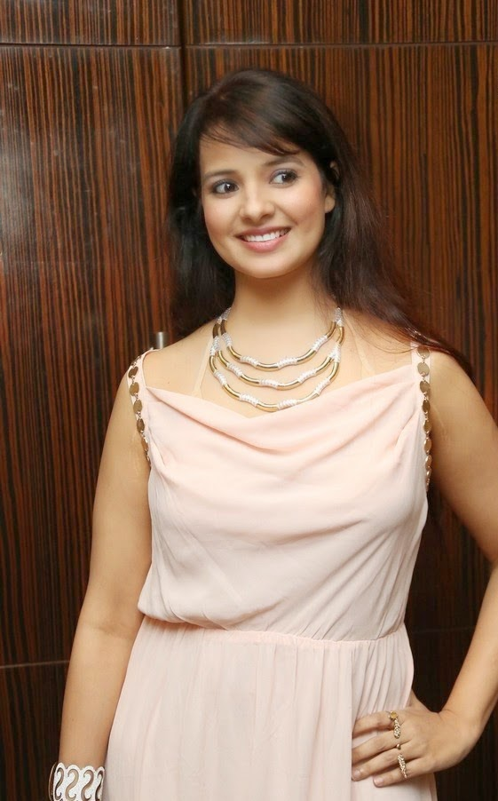 Tollywood Actress Saloni Sexy Photo