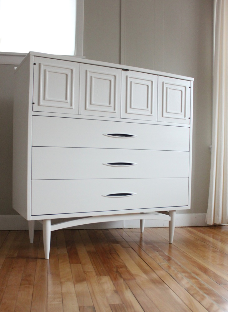 Drawers This Is A Very Versatile Statement Worthy Piece Of Furniture It Would Be Excellent For Storage In Any Room Chest Measures 42 W X 17 D